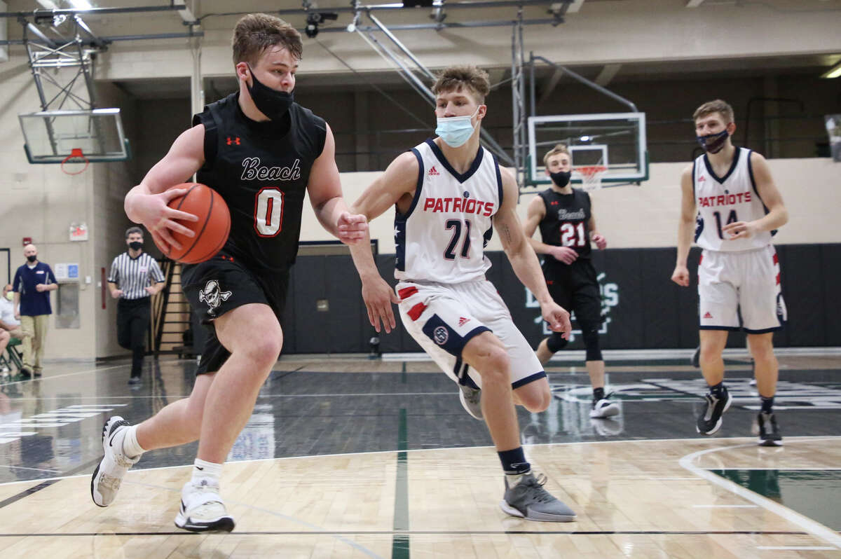 The Harbor Beach boys basketball team, featuring its regular lineup for the first time in weeks, ran past the Unionville-Sebewaing Patriots at Laker High School on Thursday night and earned a trip to the district title game. The Pirates won, 62-55.