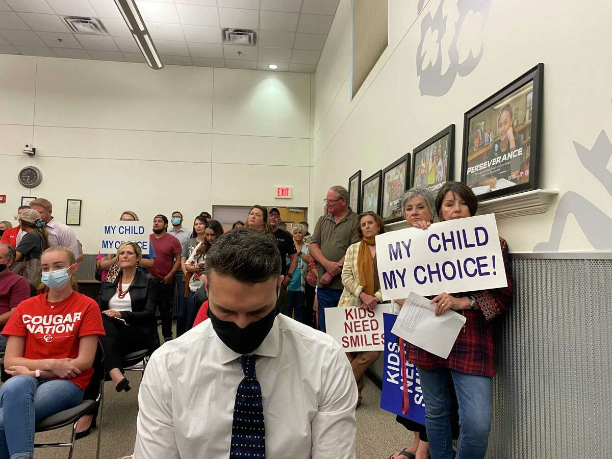 Comal Independent School District parents, students and teachers filled the district board room Thursday evening to criticize or support trustees' March 9 decision to make masks optional in school buildings.