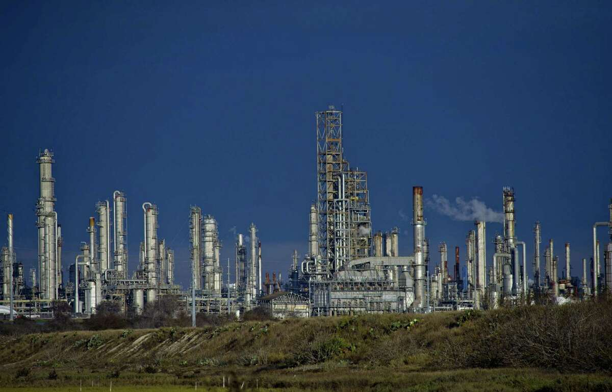 Flint Hills Resources LP refinery in Corpus Christi, Texas, U.S., on Friday, Feb. 19, 2021. Natural gas futures fluctuated Friday as an energy crisis plaguing the central U.S.easedamid an outlook for milder weather and a decline in blackouts. Photographer: Eddie Seal/Bloomberg