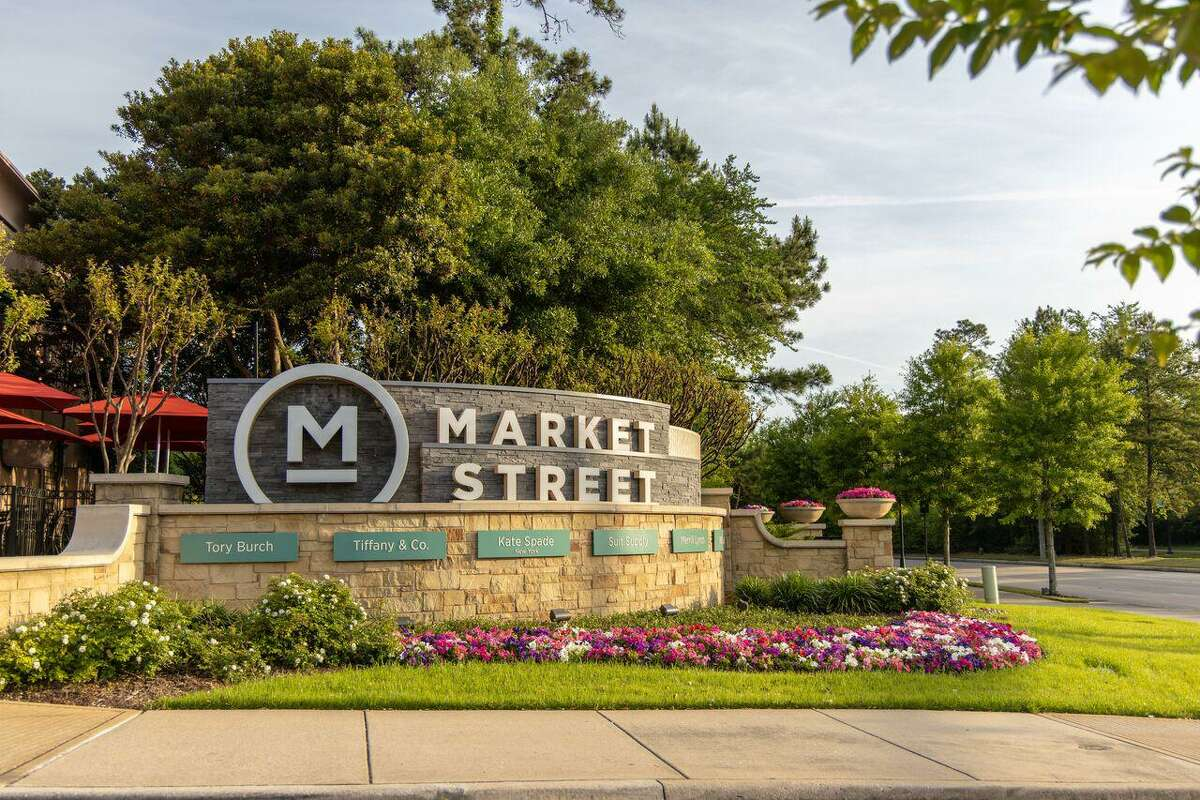 A range of free activities are on tap this spring at Market Street in The Woodlands, from free dance lessons on Tuesday nights through April 13; to free concerts on Thursday nights running from April8 through May 27, there is fun for all. The Spring Fine Arts Show is Saturday, May 8. All events are free of charge.
