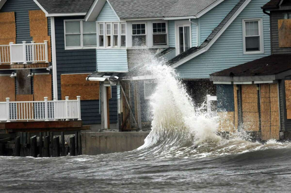 Hurricane Sandy picks up speed as waves from Long Island sound hits the Cosey Beach area of East Haven, Connecticut October 29, 2012. Photo by Peter Hvizdak / New Haven Register