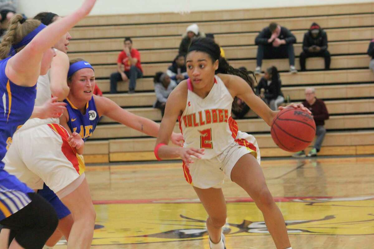 Adrienne Anderson (2), among the top GLIAC players last season, is expected to return for the Bulldogs from an injury next year. (Pioneer file photo)