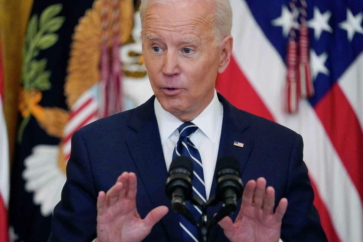 El presidente Joe Biden habla en conferencia de prensa en la Casa Blanca, en Washington, el jueves 25 de marzo de 2021.