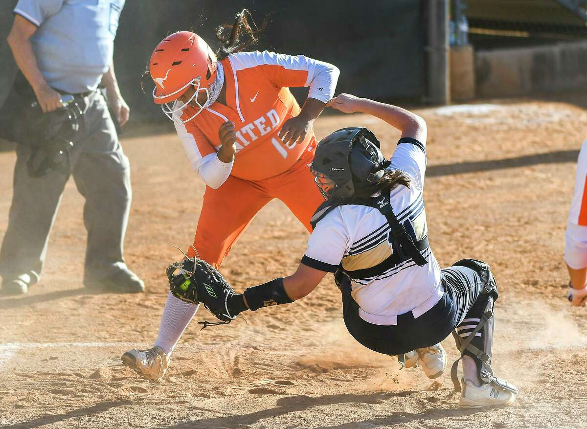 Alyssa Davila and United beat Samantha Arce and Alexander 13-3 Friday at the SAC to close out the first round on a high note.