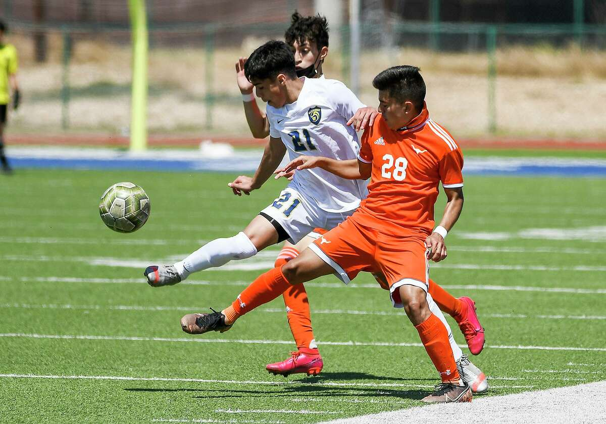 Both Alexander and United advanced in the state soccer playoffs.