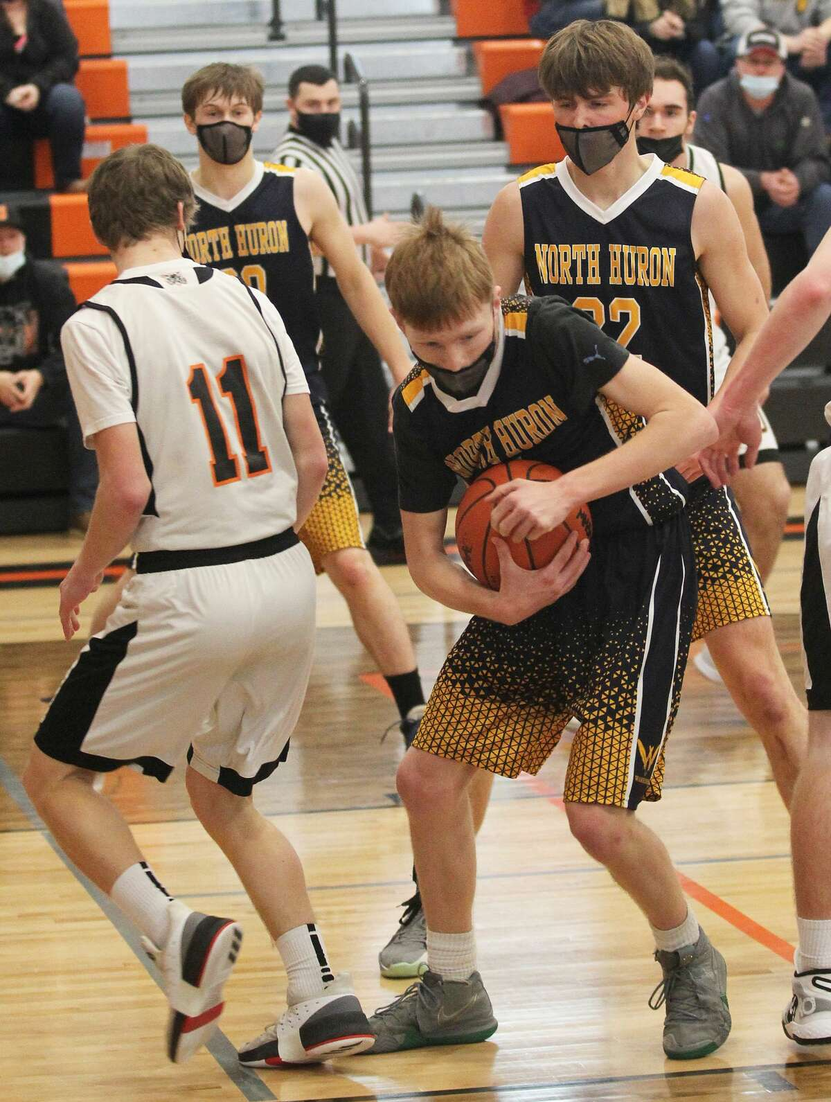 The Ubly boys basketball team captured it first district championship since 2004 with a 50-27 victory over the North Huron Warriors at home on Saturday afternoon. The Bearcats (12-2) move on to the regional semifinals at Midland High School on Tuesday, where they will Saginaw Nouvel. The game will tip off at 5:30 p.m.