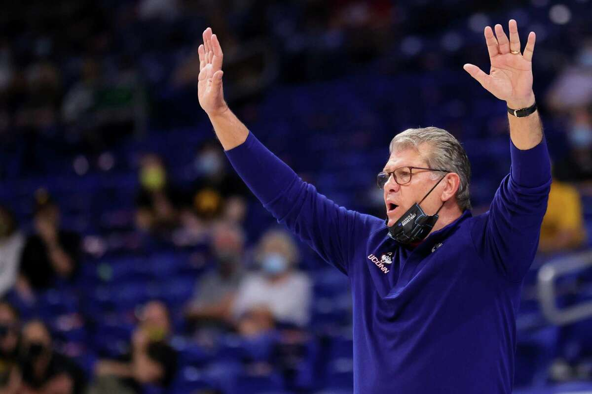 SAN ANTONIO, TEXAS - MARCH 27: Head coach Geno Auriemma of the UConn Huskies calls out during the first half against the Iowa Hawkeyes in the Sweet Sixteen round of the NCAA Women's Basketball Tournament at the Alamodome on March 27, 2021 in San Antonio, Texas. (Photo by Carmen Mandato/Getty Images)