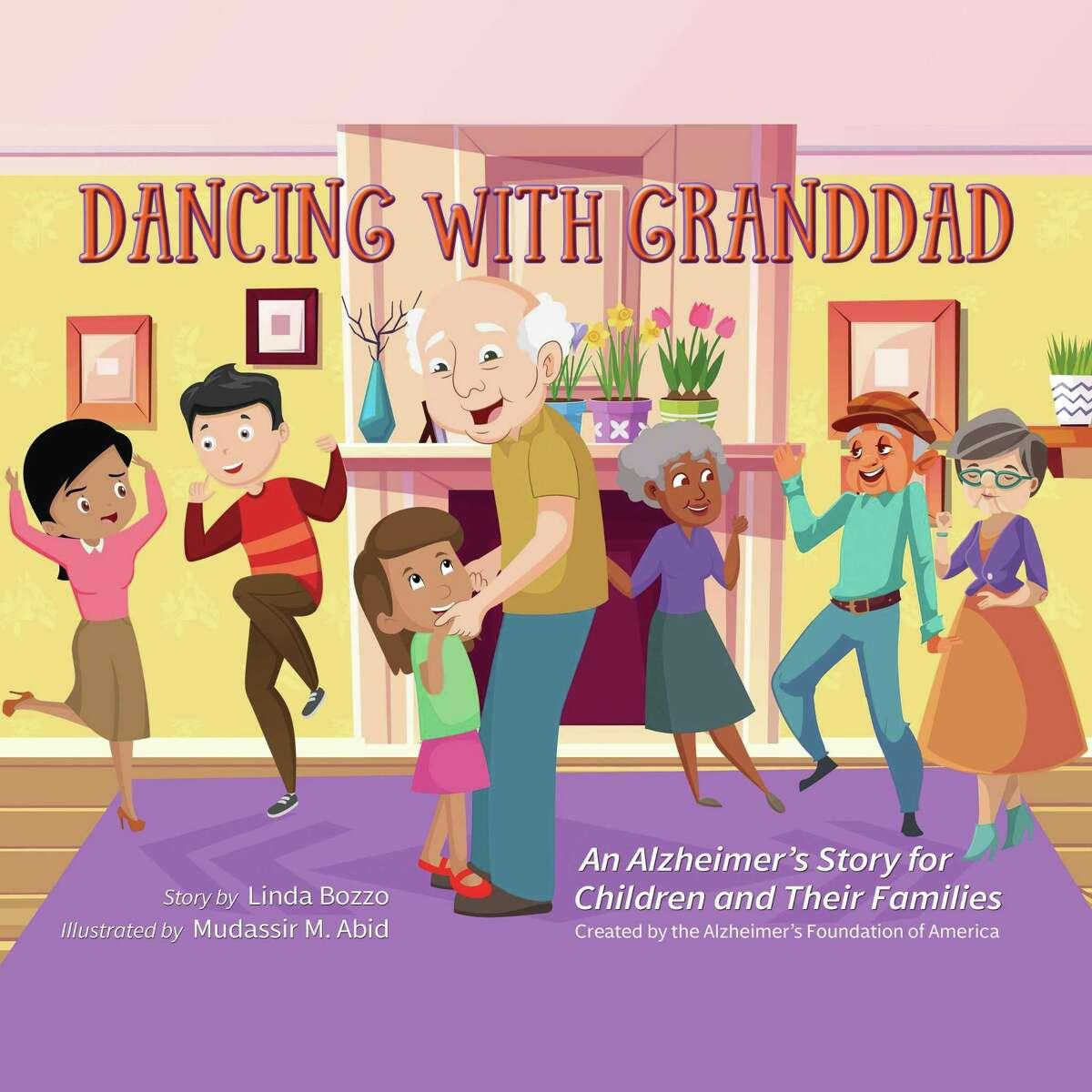 La asociación Alzheimer's Foundation of America (AFA) ha publicado Dancing with Granddad: An Alzheimer's Story for Children and Their Families en inglés y español, para sensibilizar a los menores sobre esta enfermedad cuando alguien de la familia la padece.