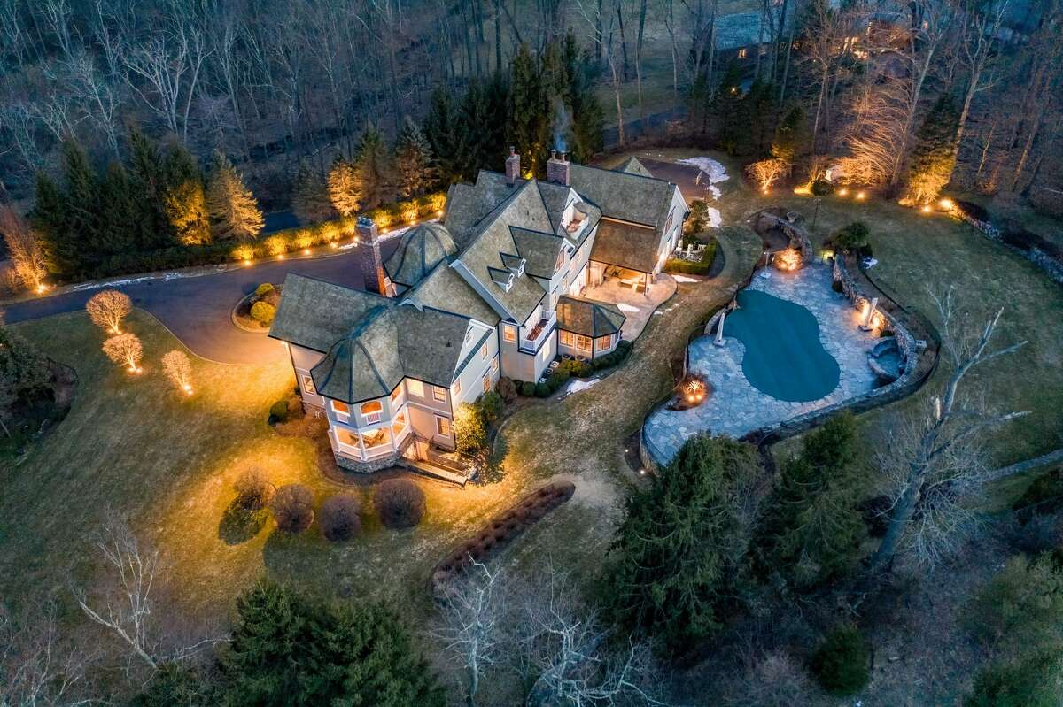 Colonial house on a 4.46-acre property at 1196 Smith Ridge Road, New Canaan.