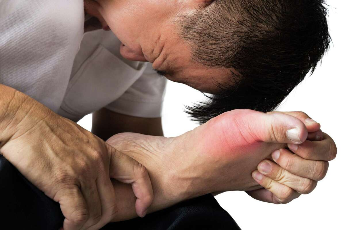 A sprain means that the ligaments in a joint are injured, while a strain means that a muscle or tendon is injured. Regardless if it is a sprain or a strain, you can start by following the widely known RICE method. The RICE method stands for rest, ice (with a cloth or towel wrapped around the ice pack), compression, and elevation of the sprain or strain. This