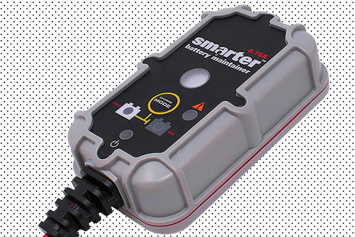 Smartech battery maintainer for $12.99 at The Home Depot