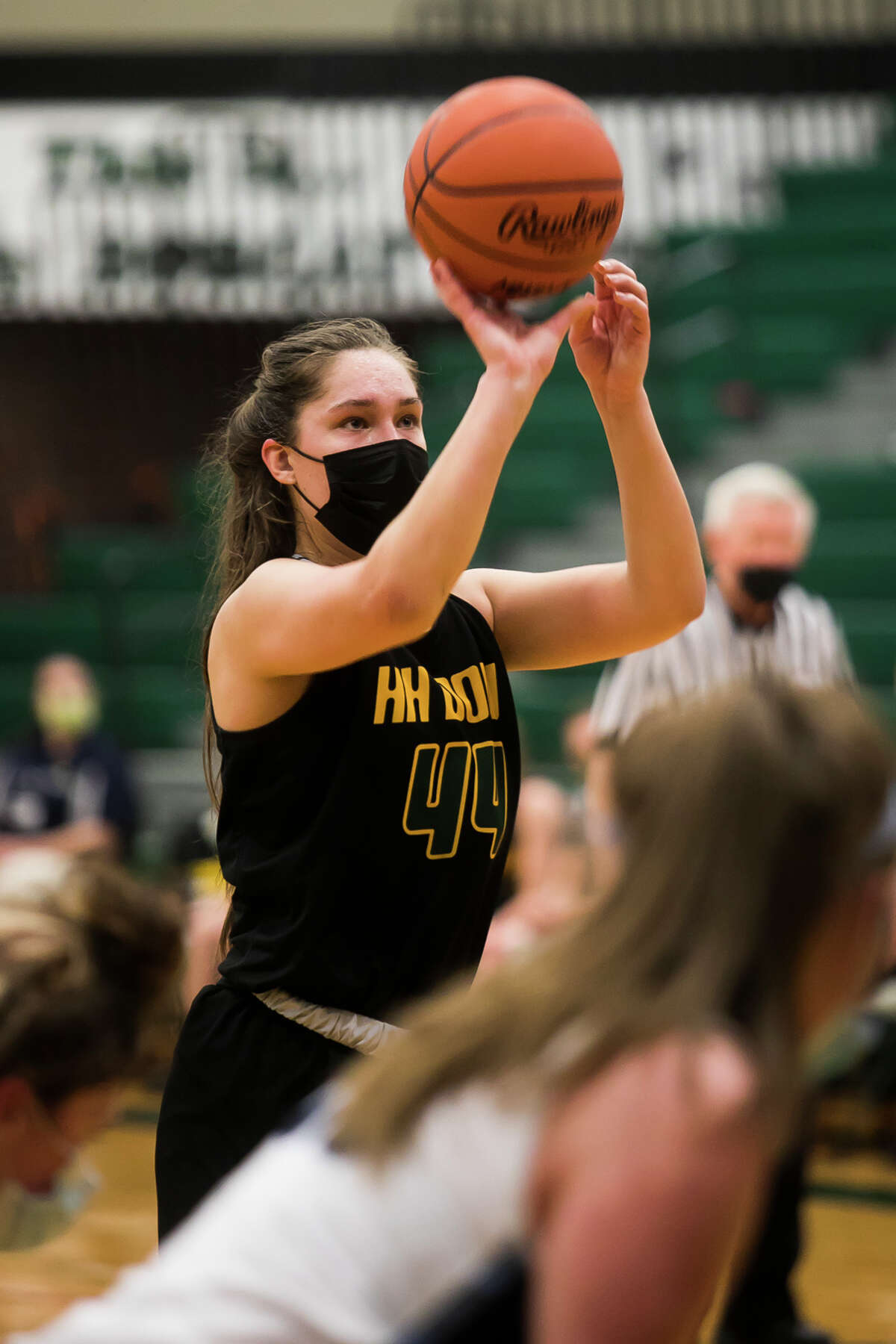 Dow's Abby Rey shoots a free throw during the Chargers' regional semifinal against Petoskey Monday, March 29, 2021 at Houghton Lake High School. (Katy Kildee/kkildee@mdn.net)
