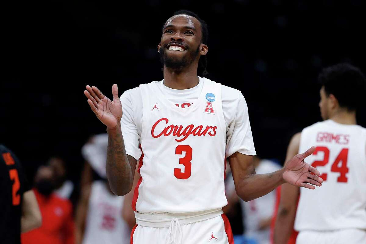 INDIANAPOLIS, INDIANA - MARCH 29: DeJon Jarreau #3 of the Houston Cougars reacts against the Oregon State Beavers during the second half in the Elite Eight round of the 2021 NCAA Men's Basketball Tournament at Lucas Oil Stadium on March 29, 2021 in Indianapolis, Indiana. (Photo by Jamie Squire/Getty Images)