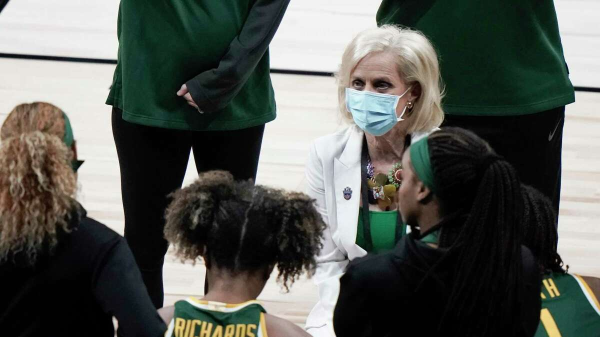 Baylor coach Kim Mulkey talks to her players during Monday's game against UConn in the Elite Eight round of the NCAA Tournament.