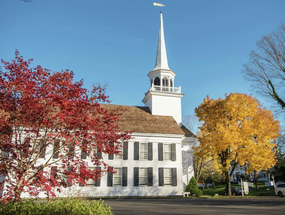 Wilton Congregational Church has rescinded its request for an emergency generator and a diesel fuel tank after nearby residents opposed the plan.