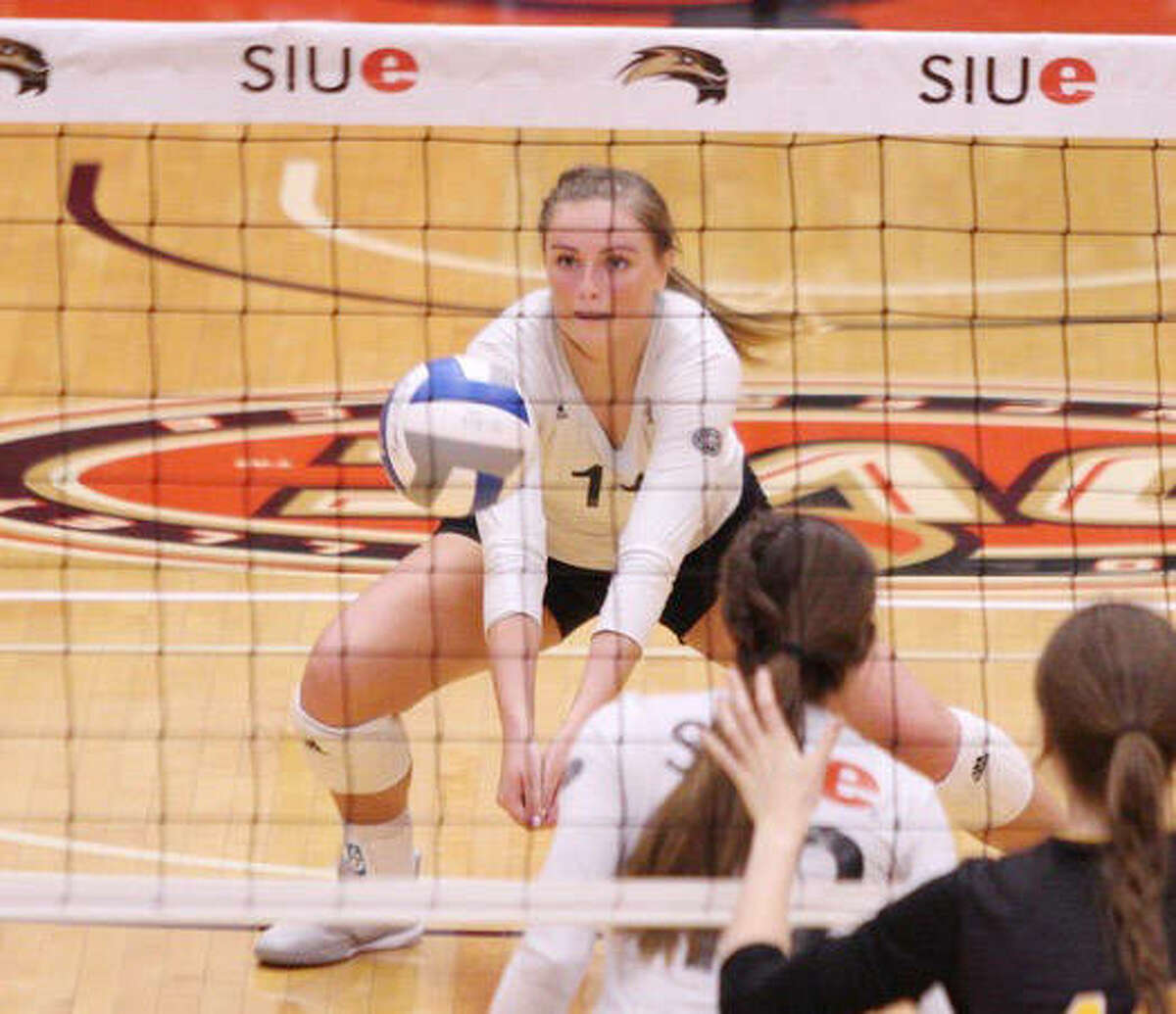 SIUE senior Rachel McDonald has earned first-team All-Ohio Valley Conference honors. McDonald also appeared in the All-OVC second team last season. McDonald led the Cougars with 3.08 kills per set and hit for a .220 clip. McDonald also averaged 2.67 digs per set.