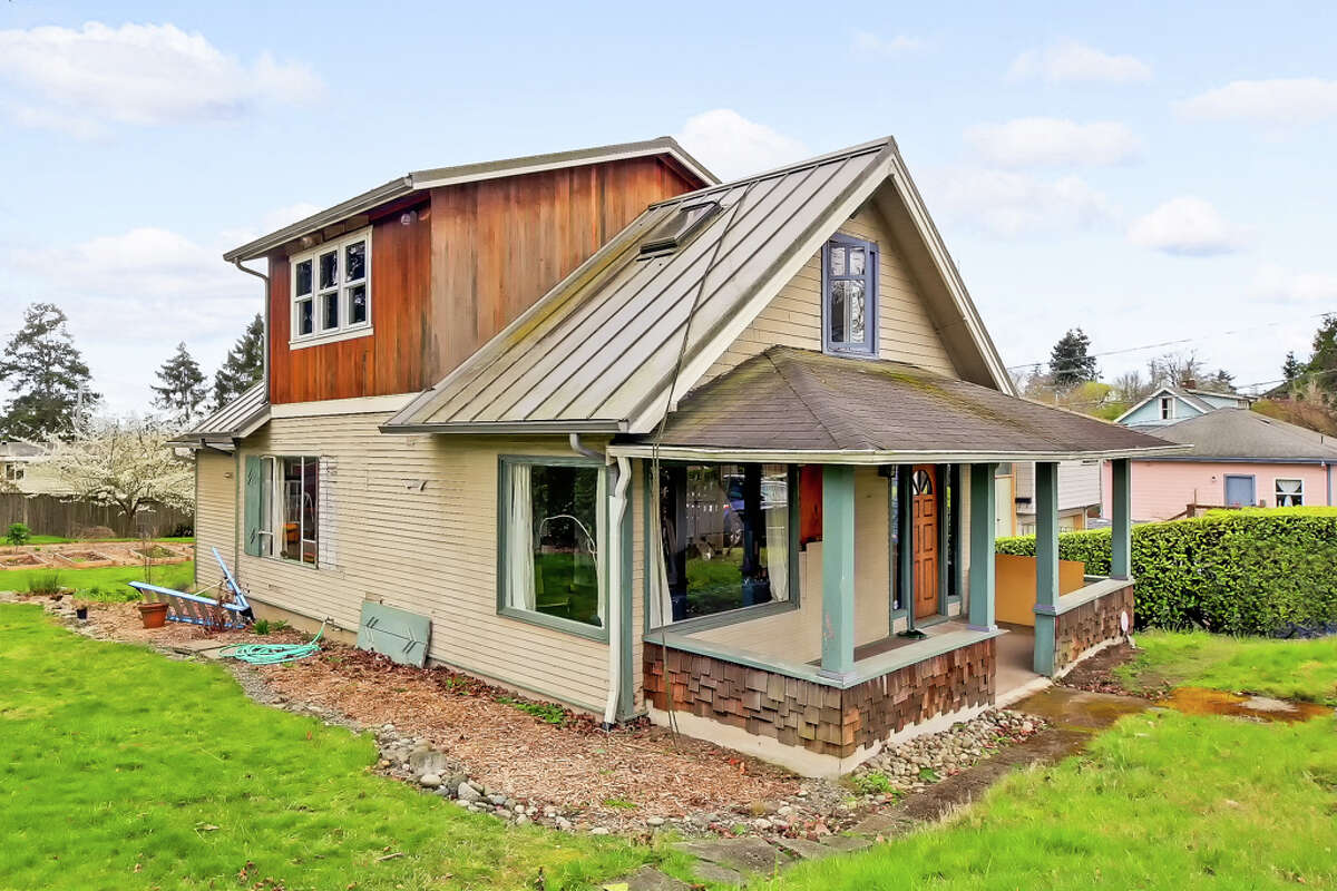 4717 S Bennett St. is an early 1900s farm house, whose rebirth is awaiting.