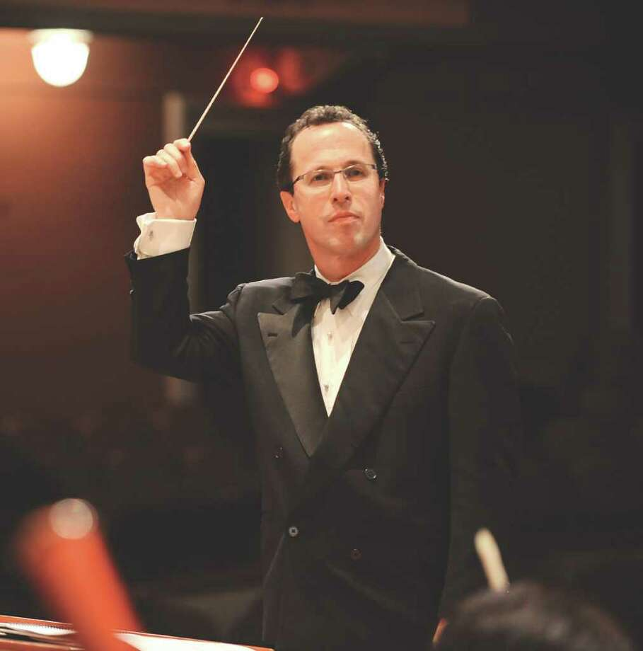 Albany Symphony Orchestra conductor David Alan Miller (Photo by Gary Gold/EXPLORE) / GARY GOLD