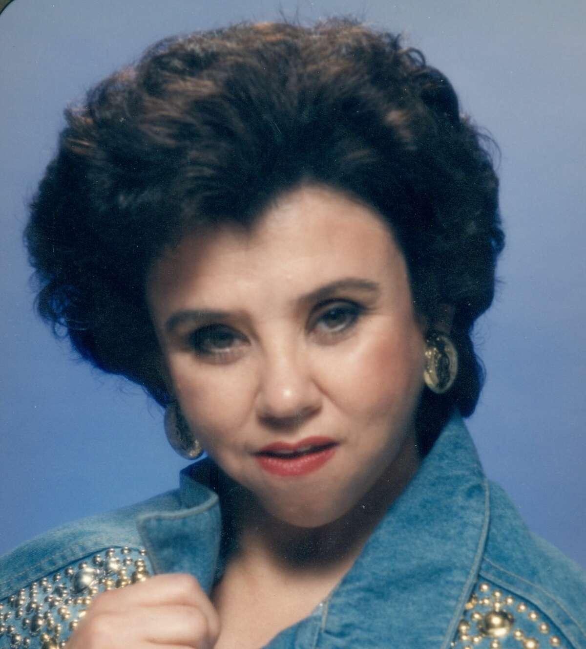 Sandra Maria Flores
