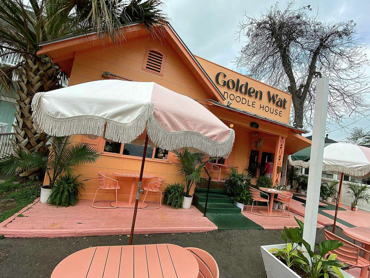Golden Wat Noodle House is a Cambodian restaurant from Susan Kaars-Sypesteyn and Pieter Sypesteyn just off the St. Mary's Strip. It's located in the former home of NOLA Brunch & Beignets, which moved just around the corner.