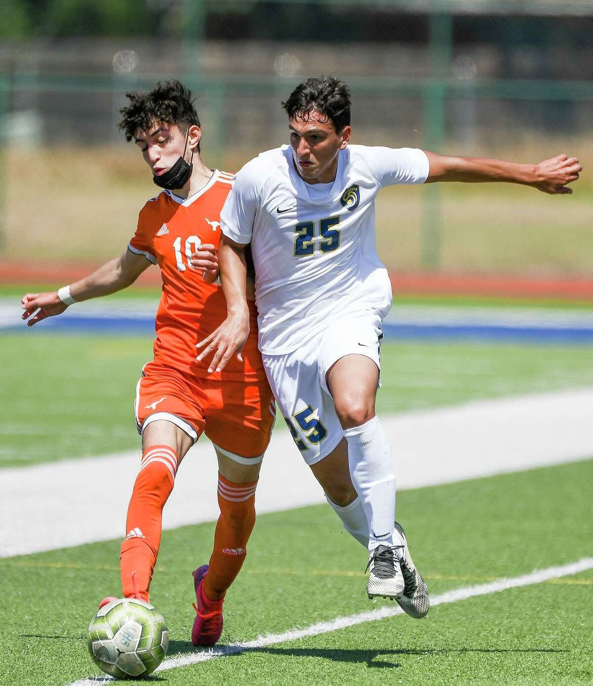Braulio Medina and United host San Antonio Harlan at 7 p.m. Friday at the SAC in the third round of the playoffs.