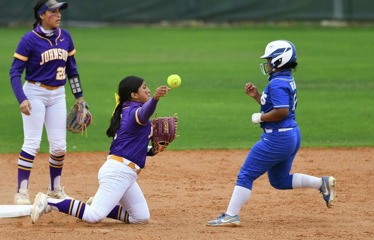 Vivica Garcia and Sabrina Orozco secure the out at second base as Orozco attempts to turn a double play at first base Thursday, April 1 at the SAC against Del Rio.