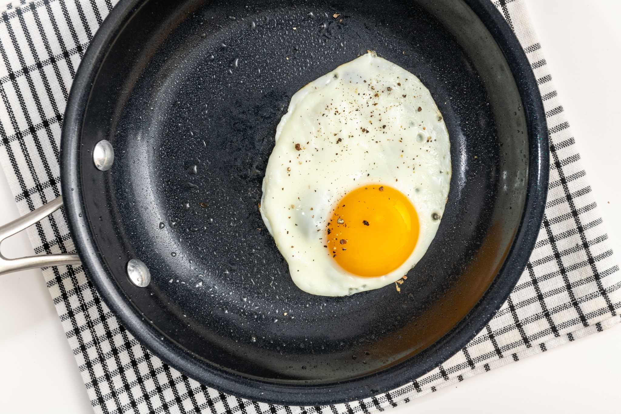 How to get perfect sunny-side up eggs every time