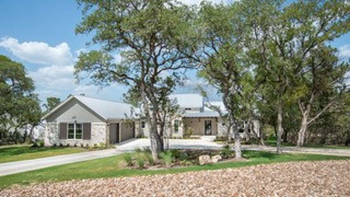 Casadomaine Custom Homes: 1194 Powder Ridge Road, New Braunfels, TX 78132