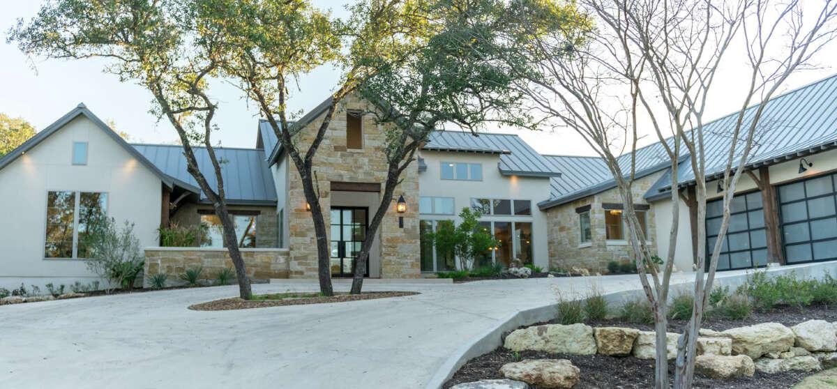 Casadomaine Custom Homes: 9831 Midsomer Place, San Antonio, TX 78255