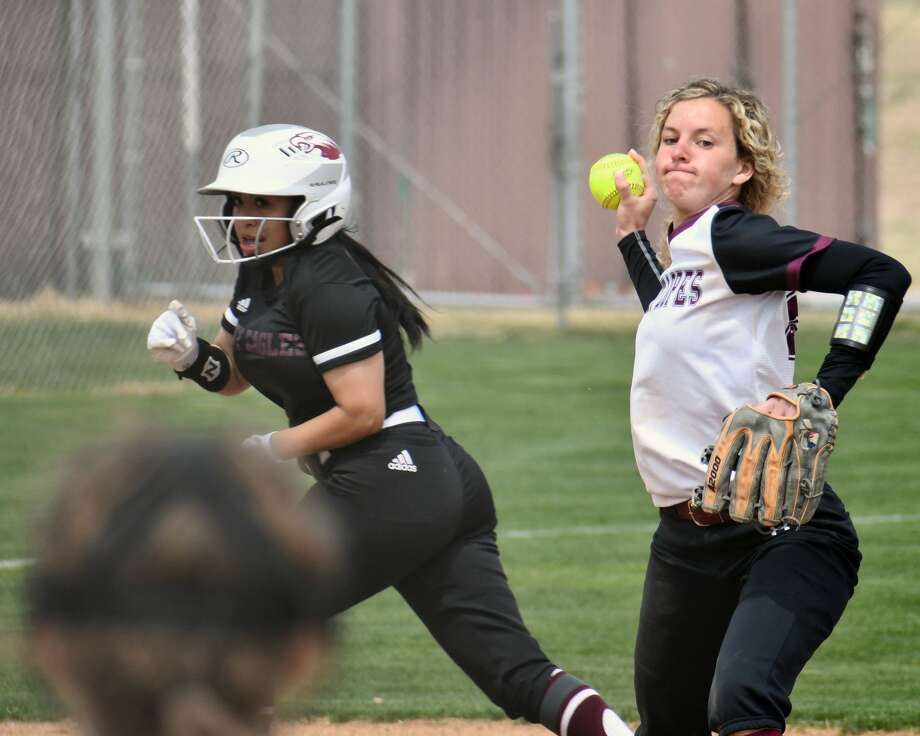 Abernathy baseball and softball teams picked up home wins on Friday afternoon. The Antelopes topped Idalou 11-10 and the Lady Lopes rolled past Lubbock Roosevelt 14-3. Photo: Nathan Giese/Planview Herald