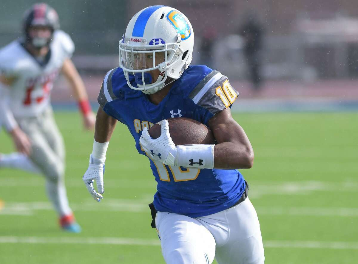 Serra running back Hassan Mahasin accounted for more than 300 yards of offense and five touchdowns in the Padres' first two games this season.