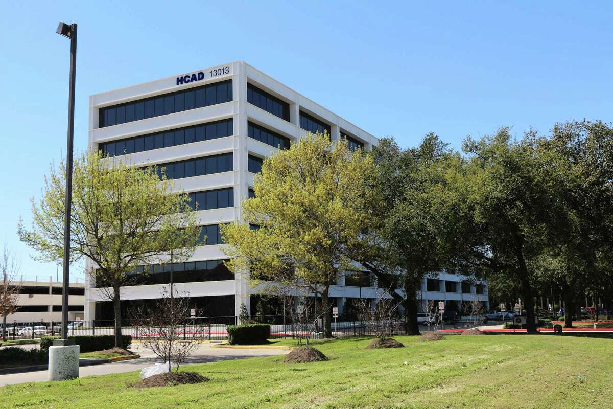 The Appraisal Review Board meets at the Harris County Appraisal District on 13013 Northwest Freeway in Houston, Texas. The ARB is seeking applicants to fill vacancies on the board before peak season begins.