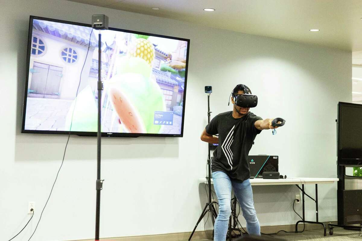 Students at Lone Star College-University Park experiment with 3D virtual reality goggles during the Virtual Reality Day session of Innovation Week in 2019. LSC-University Park will be hosting Innovation Week virtually this year from April 5-8.