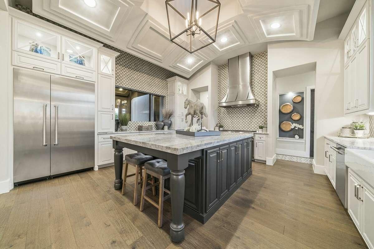Weston Dean Custom Homes: 4 Truss Drive Boerne Texas 78006