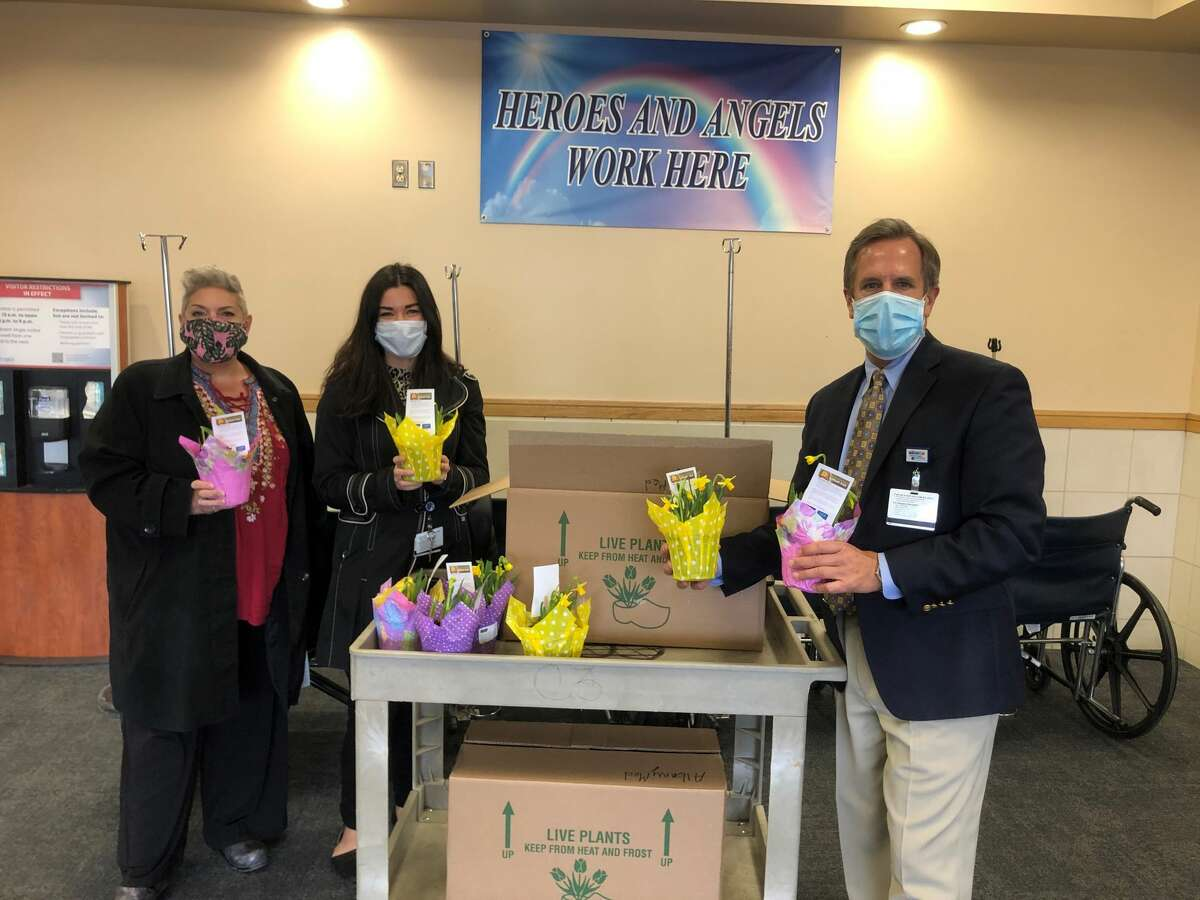 During March, the American Cancer Society celebrated its annual Daffodil Days campaign by partnering with Empire BlueCross to donate pots of daffodils to local hospitals. This colorful first flower of spring represents a campaign that brings hope to cancer patients, their caregivers, and families, while providing funds that support research, programs, and services of the American Cancer Society, the organization said. Here the campaign visits Albany Medical Center