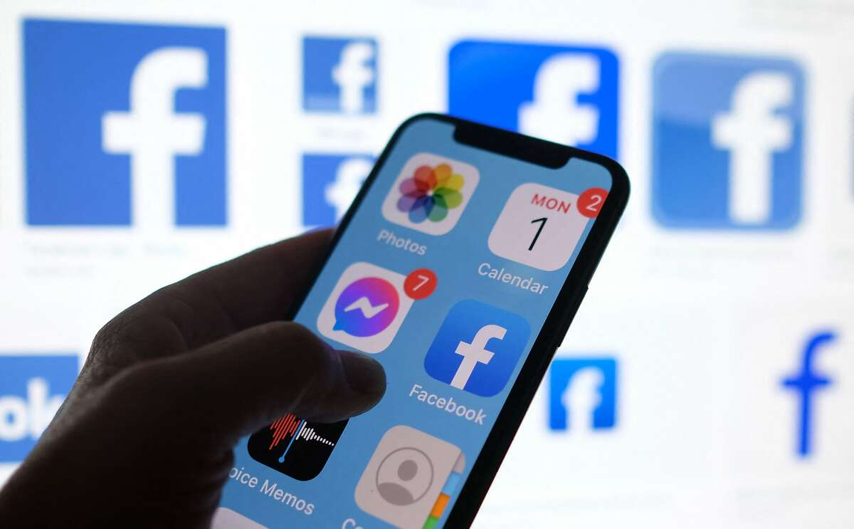 Business Insider is reporting that 533 million Facebook users had their personal information leaked to an online forum for hackers.