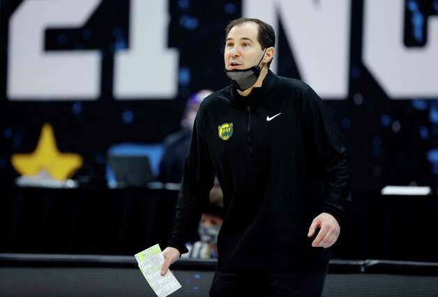INDIANAPOLIS, INDIANA - APRIL 03: Head coach Scott Drew of the Baylor Bears reacts in the first half against the Houston Cougars during the 2021 NCAA Final Four semifinal at Lucas Oil Stadium on April 03, 2021 in Indianapolis, Indiana. Photo: Tim Nwachukwu, Getty Images / 2021 Getty Images