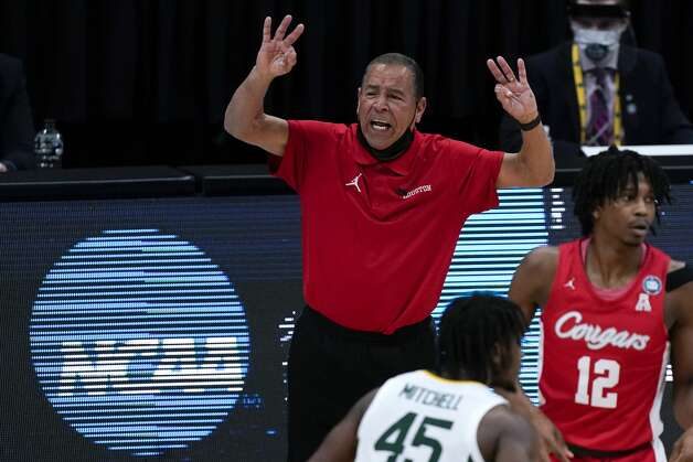 Houston head coach Kelvin Sampson reacts during the second half of a men's Final Four NCAA college basketball tournament semifinal game against Baylor, Saturday, April 3, 2021, at Lucas Oil Stadium in Indianapolis. (AP Photo/Michael Conroy) Photo: Michael Conroy/Associated Press / Copyright 2021 The Associated Press. All rights reserved.