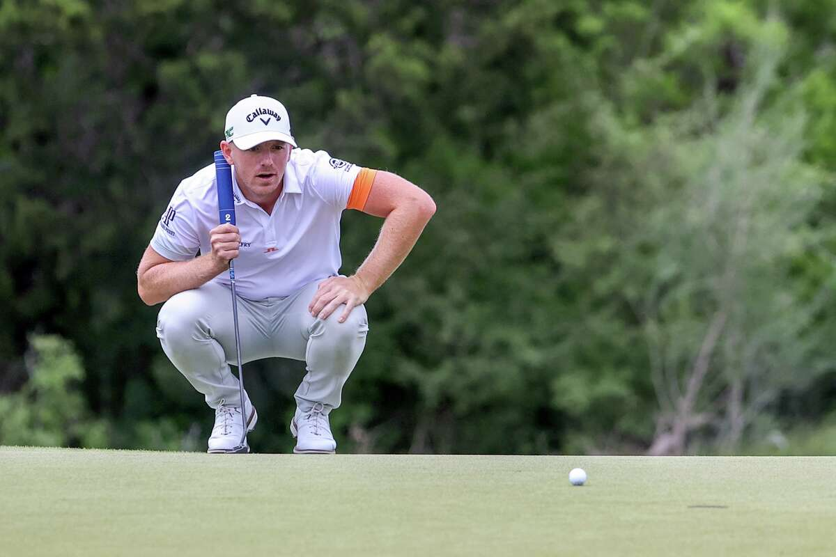 Matt Wallace lines up a put on No. 2 during the third round of the Valero Texas Open at the TPC San Antonio - AT&T Oaks Course on Saturday, April 3, 2021.