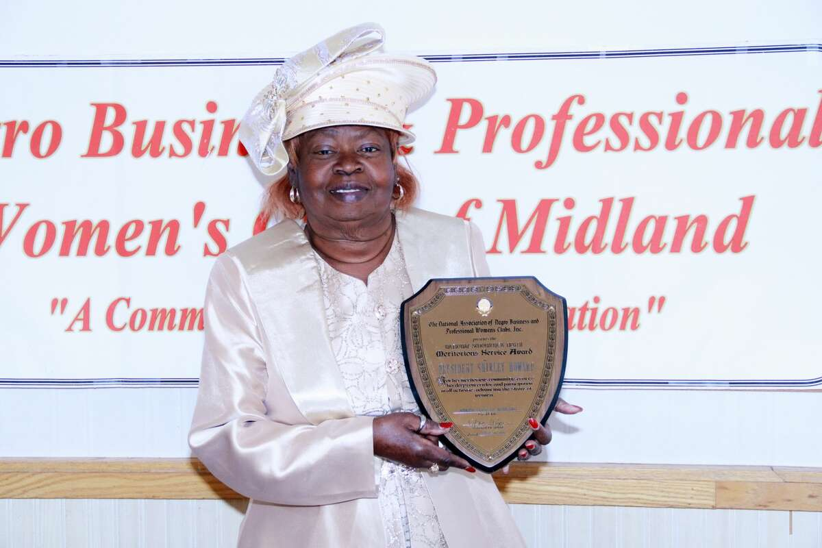 """National Association of Negro Business and Professional Women's clubs, presented Mrs. Shirley Howard, president of the N.A. Negro Business and Professional Women's Club of Midland Inc with the highest award given to a member of the association the """"SOJOURNER TRUTH AWARD""""."""