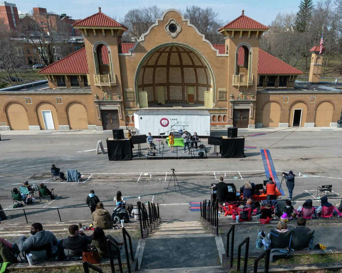 An Easter service by Christ's Church of Albany at the Washington Park Amphitheater in Albany, NY, on Sunday, April 4. (Jim Franco/Special to the Times Union)
