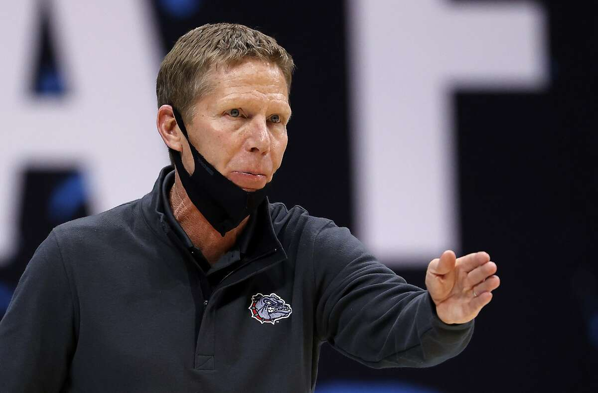 INDIANAPOLIS, INDIANA - APRIL 03: Head coach Mark Few of the Gonzaga Bulldogs reacts in the first half against the UCLA Bruins during the 2021 NCAA Final Four semifinal at Lucas Oil Stadium on April 03, 2021 in Indianapolis, Indiana. (Photo by Jamie Squire/Getty Images)
