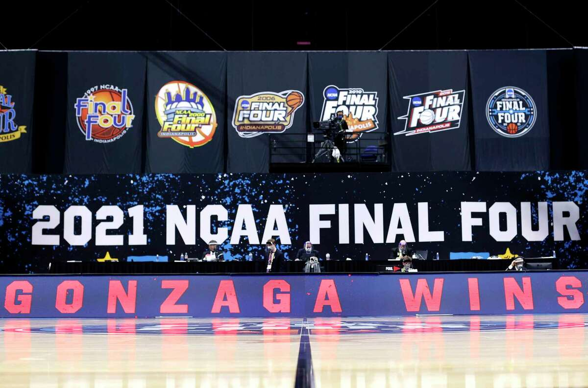 Gonzaga has won every game this season and is bidding to be the NCAA's first undefeated champion since Indiana in 1976.