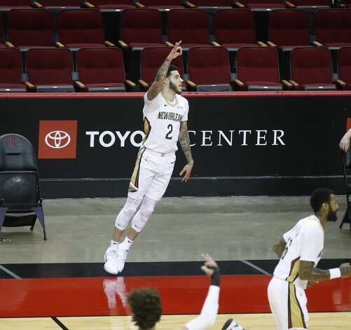 New Orleans Pelicans guard Lonzo Ball (2) signals after one of his three-pointers during the first half of an NBA basketball game at Toyota Center, Sunday, April 4, 2021. Photo: Karen Warren/Staff Photographer / @2021 Houston Chronicle
