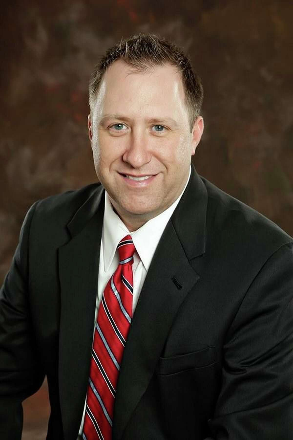 Pearland ISD Position 4 trustee Sean Murphy is seeking re-election. His opponent Jessica Garcia Shafer.