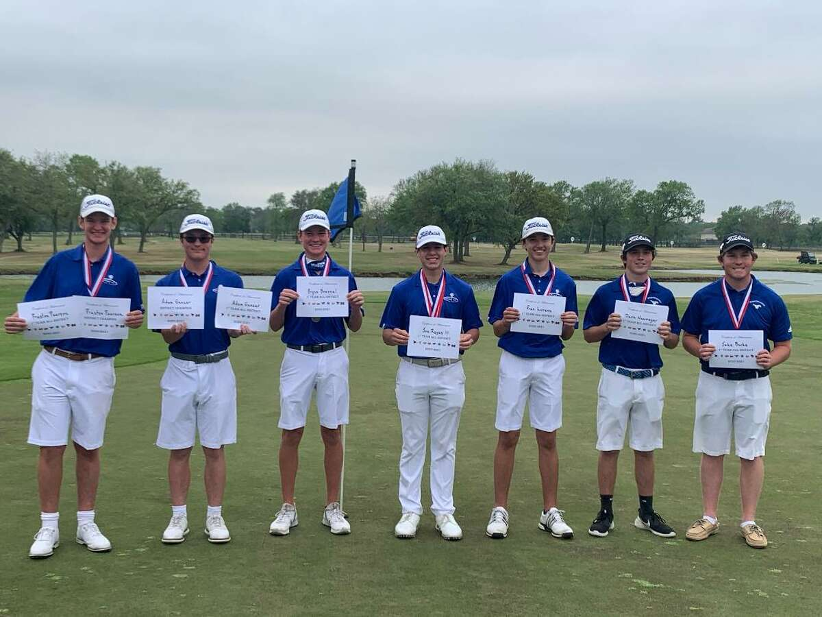 Members of the Friendswood boys golf team headed to the Class 5A regional tournament are (left to right) Preston Pearson, Adam Genzer, Bryce Brazzel, Joe Reyes III, Evan Lorenz, Devin Neumeyer and Jake Burke.