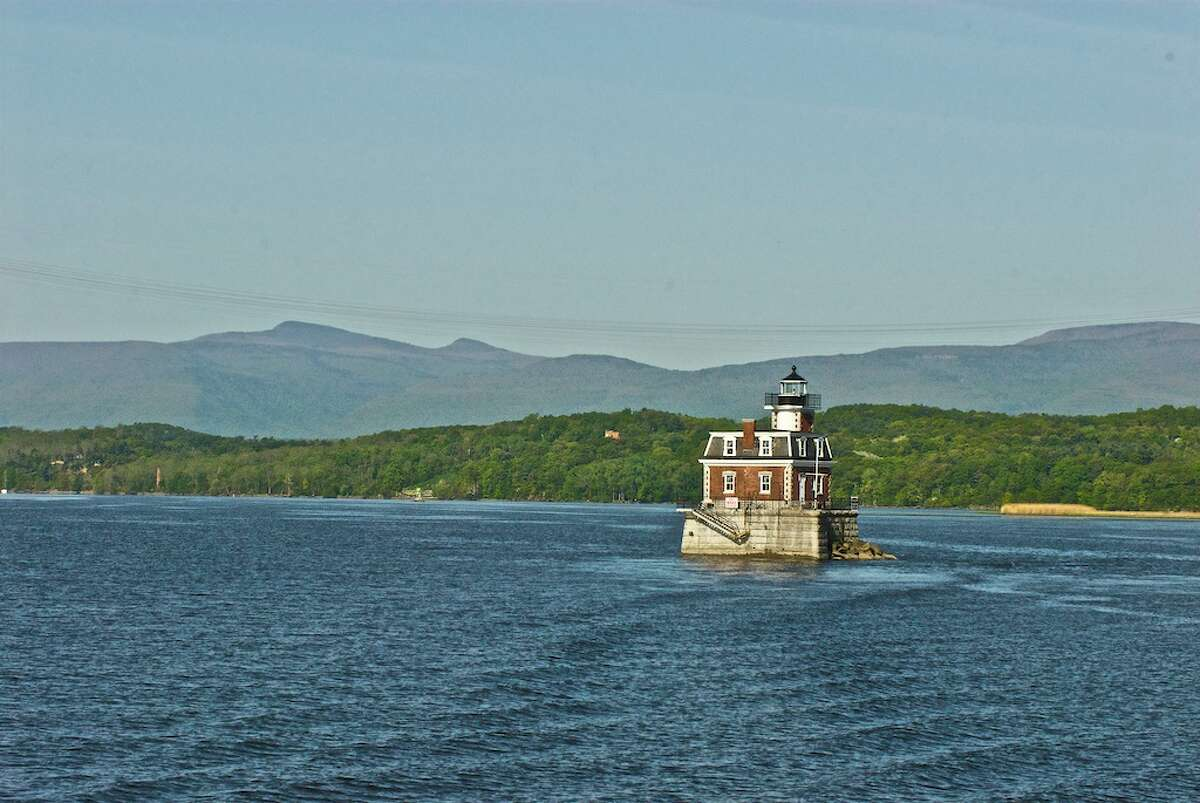 To truly see Hudson and appreciate its history, take a tour away its main thoroughfare, Warren St.Promenade Hill Park, for instance, offers wide-open views of the Hudson River and the historic Hudson-Athens Lighthouse, which opened in 1874.