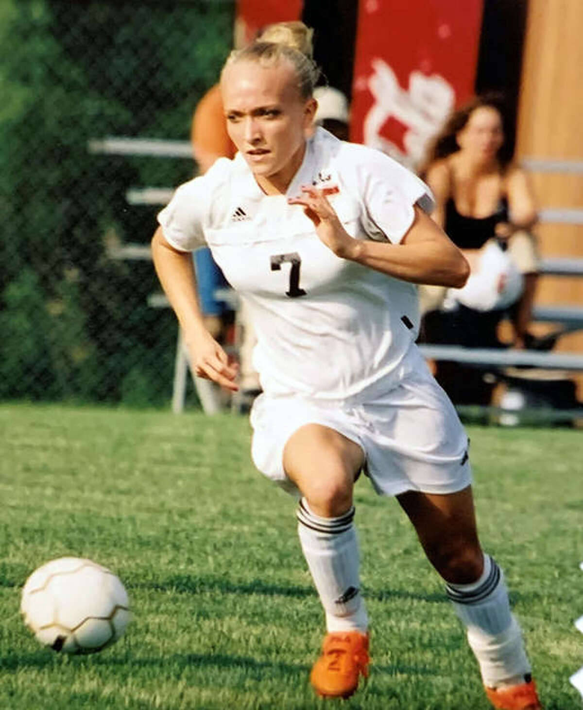Edwardsville's Amanda (Dowdy) Coyle earned All-State honors as a senior in 2005 after helping the Tigers reach the Class AA state tournament in 2004.