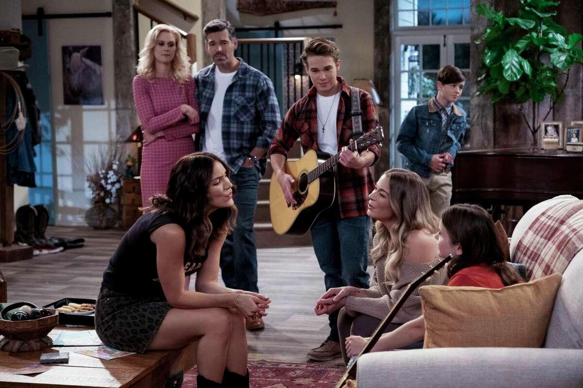 """Katharine McPhee stars in Netflix's new sitcom """"Country Comfort."""""""