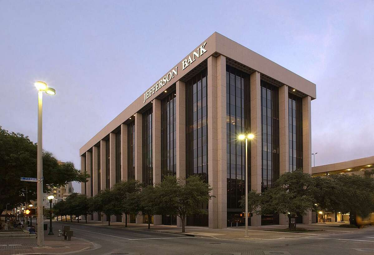 Skipcart is leasing space at the Travis Park Plaza building in downtown San Antonio.